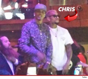 1027-chris-brown-performing-twitter3-3