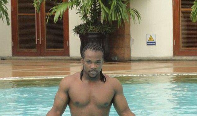 Internet Scam: Nigerian Guy Flaunts Hot Body to Lure Autralian Woman Into Drug Trafficking