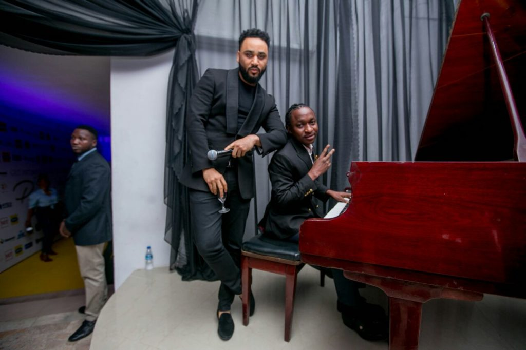 Photos from 'Get Intimate with Praiz'