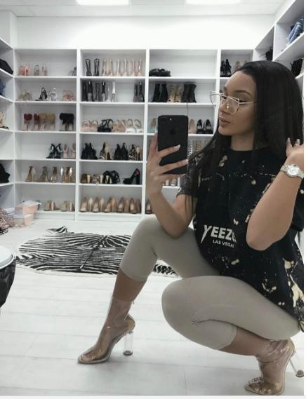 mirror squat