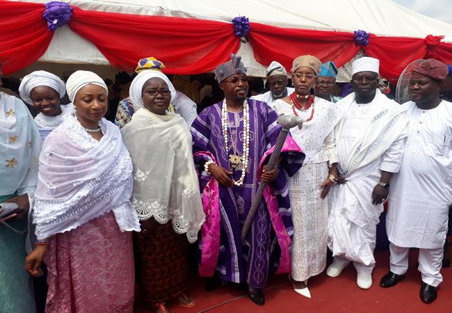 Oluwo Clerics and Dignitaries